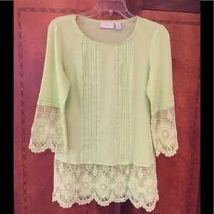 Chico's Green Cotton Tunic Blouse with Lace
